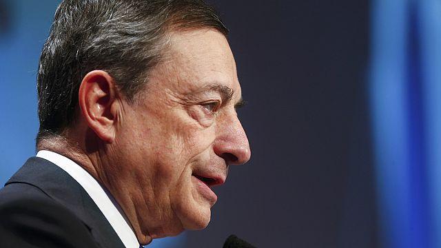 "Banche: Draghi a Trump ""no a deregulation"" e apre a prolungamento QE"