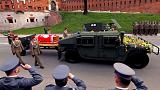 إعادة دفن رفات الرئيس البولندي السابق وزوجته بعد إعادة تشريحهما