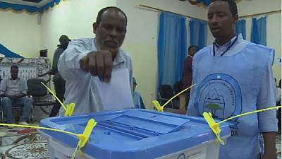 Voting for Somali parliamentarians continues in spite of al-Shabab threats