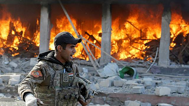 Битва за Мосул: джихадисты не сдаются, жители ищут спасения