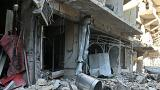 Dos niños son rescatados en Alepo de entre los escombros