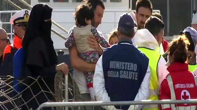 Itália: Duzentos clandestinos resgatados do mediterrâneo