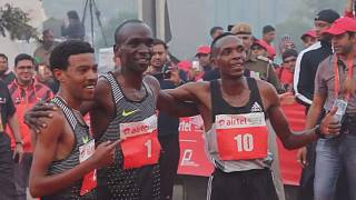 Le kényan Kipchoge remporte le sémi-marathon de Delhi en Inde