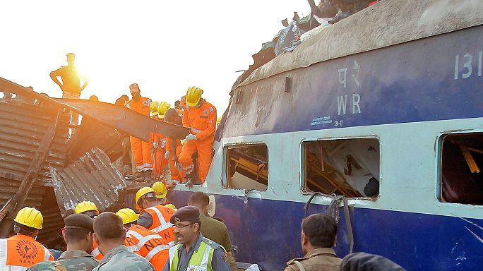 Más 100 muertos en el descarrilamiento de un tren al norte de la India