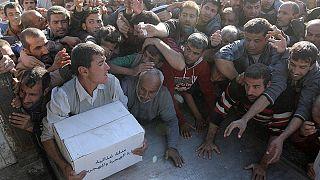 Musul'da yardım izdihamı