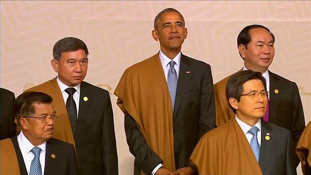 Obama despede-se em cimeira da APEC com futuro incerto para Parceria do Trans-Pacífico