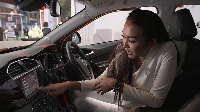 Os carros autónomos na feira de tecnologias e telecomunicações de Banguecoque