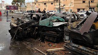 Bingazi'de hastane önünde bombalı araç infilak etti