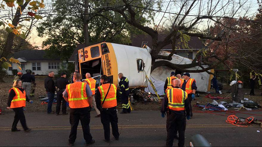 US bus crash kills six school children and injures 23 others