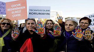 Le gouvernement turc retire finalement son projet de loi contesté sur le viol de mineurs