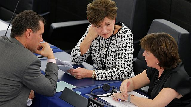 'Nothing is clear' - Brexit boss faces questions in Strasbourg
