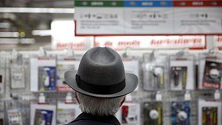 Zone euro : les consommateurs moins pessimistes en novembre
