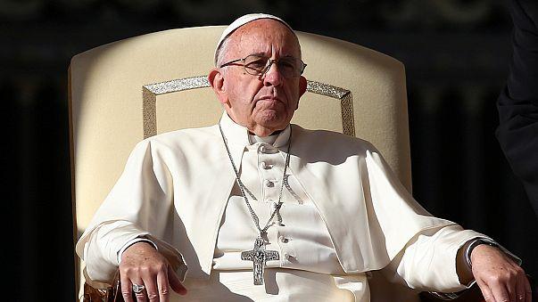 """البابا فرنسيس يمنح الكهنة صلاحية """"غفران الإجهاض"""""""