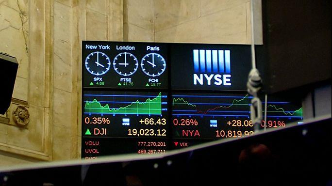 Dow Jones ultrapassa pela primeira vez 19.000 pontos