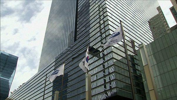South Korean officials raid Samsung
