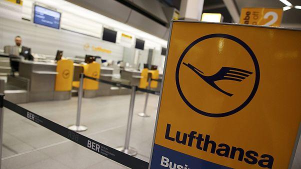 اعتصاب کارکنان لوفتهانزا ۹۰۰ پرواز را لغو کرد