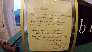 Anne Frank'ın 1942 yılında yazdığı şiiri 140 bin Euro'ya satıldı