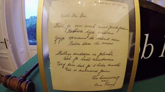 Poema escrito por Anne Frank leiloado por 140 mil euros