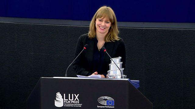 """Le film """"Toni Erdmann"""" reçoit le Prix Lux du Parlement européen"""
