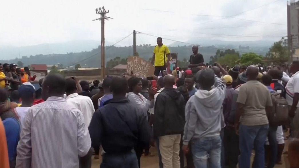 Camerún: al menos un muerto y un centenar de detenidos en protestas de la minoría anglófona