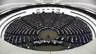 UE-Turquia: eurodeputados aprovaram pedido de suspensão das negociações