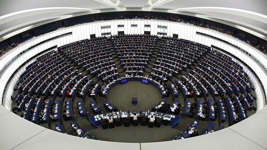 Az Európai Parlament felfüggesztené a török csatlakozás folyamatát az elnyomás miatt