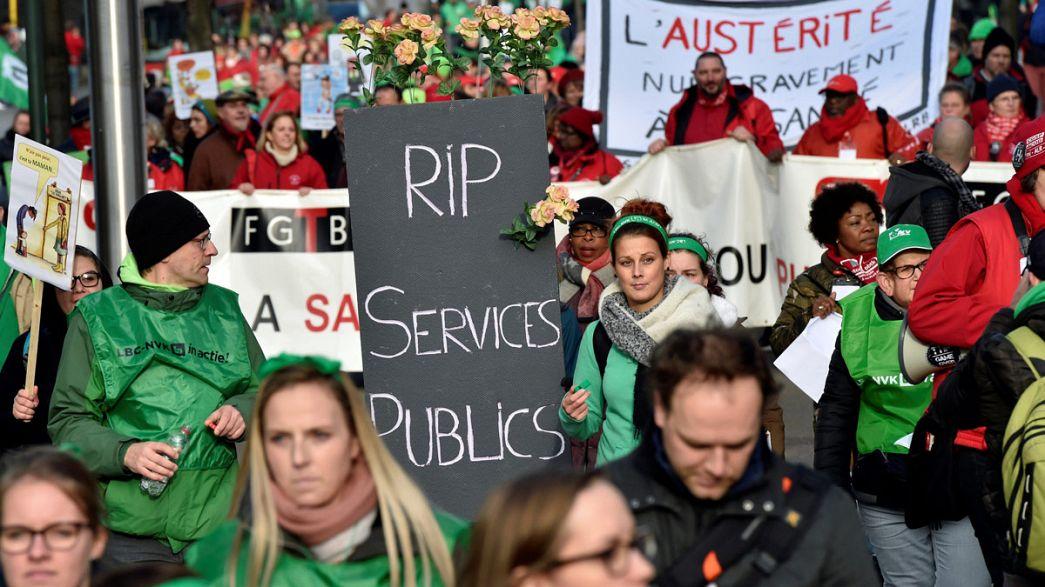 Bélgica: Milhares protestam contra austeridade nas áreas dos serviços sem fins lucrativos