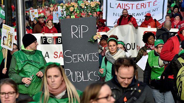 Egészségügyi dolgozók tüntettek Brüsszelben