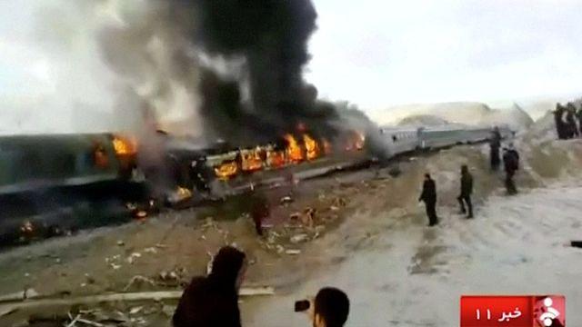 Иран. Лобовое столкновение пассажирских поездов