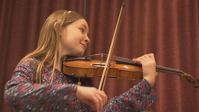 """Alma Deutscher estrena, con once años, su ópera """"La Cenicienta"""" en Viena"""