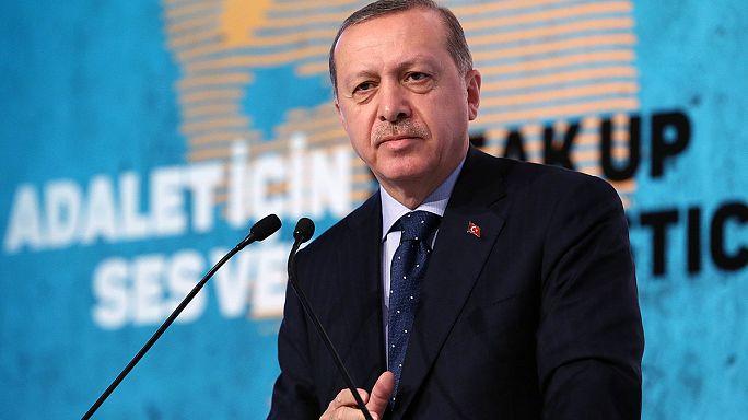 Erdogan furieux contre l'UE menace d'ouvrir ses frontières aux migrants
