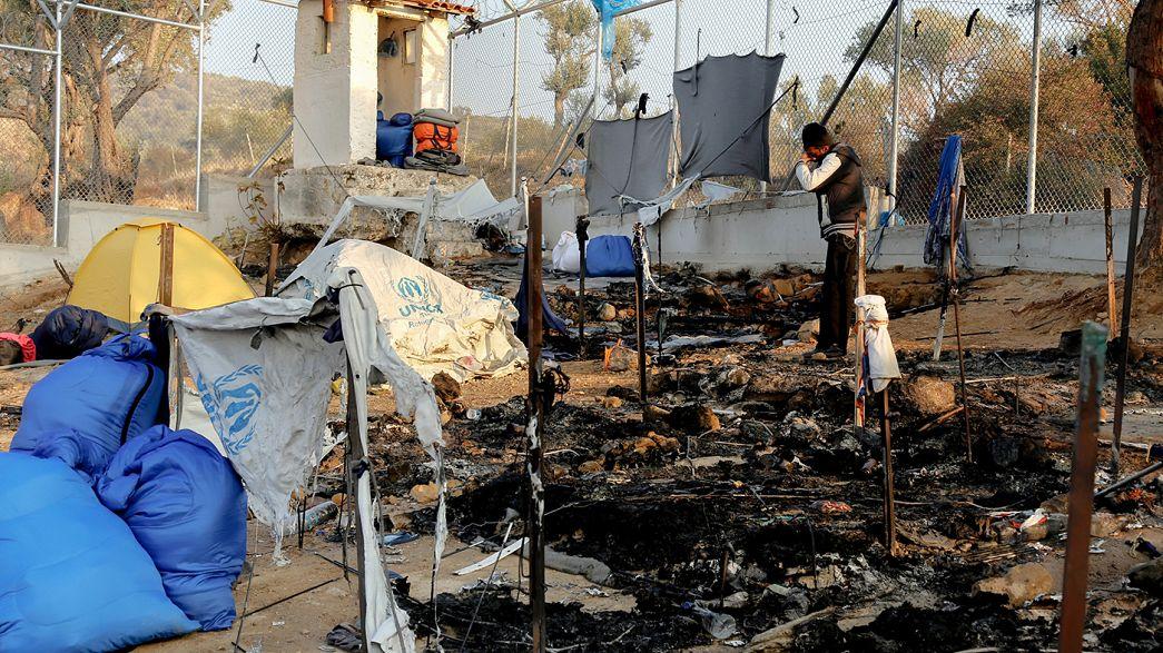 إضرام النيران في مخيم موريا بجزيرة ليسبوس اليونانية