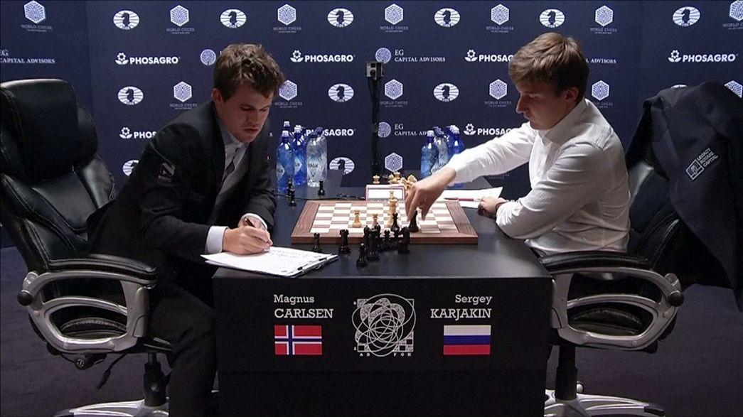 Le suspense reste entier dans la finale du Championnat du monde d'échecs