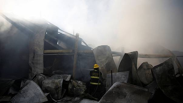 حيفا: اعمال اخماد الحرائق مستمرة بمساعدة طائرات اجنبية ورجال اطفاء فلسطينيين