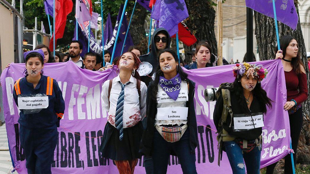 Clamor mundial en el día para eliminar la Violencia contra la Mujer