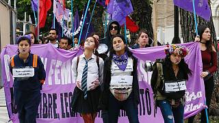 Weltweite Proteste gegen Gewalt gegen Frauen