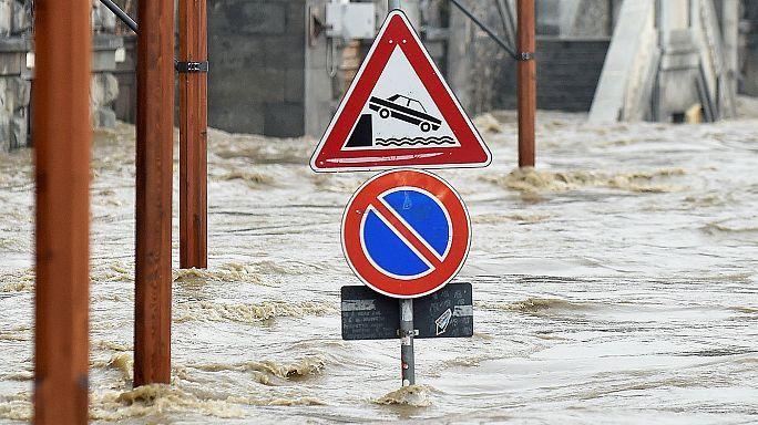 الفيضانات الجارفة تجتاح أغلب المدن الإيطالية بسبب استمرار سوء الأحوال الجوية
