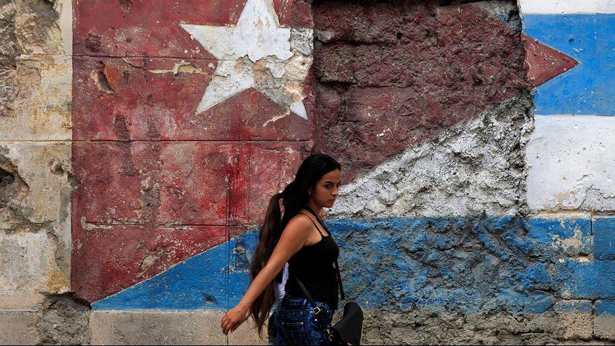 Cubanos surpreendidos pela morte de Castro
