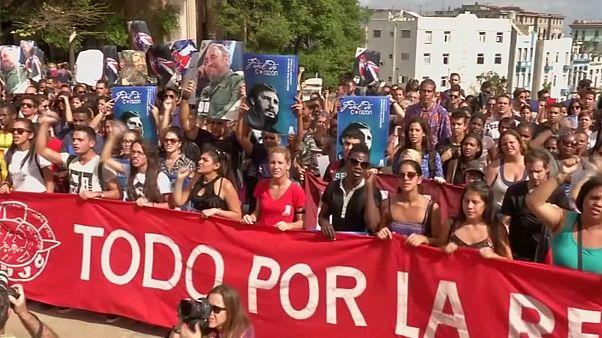 Cuba: l'omaggio degli studenti a Fidel Castro