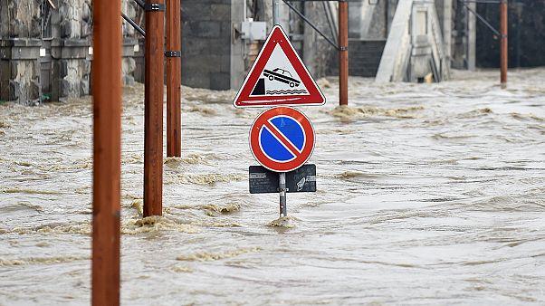 Maltempo: si valutano i danni, rischio frane in Liguria