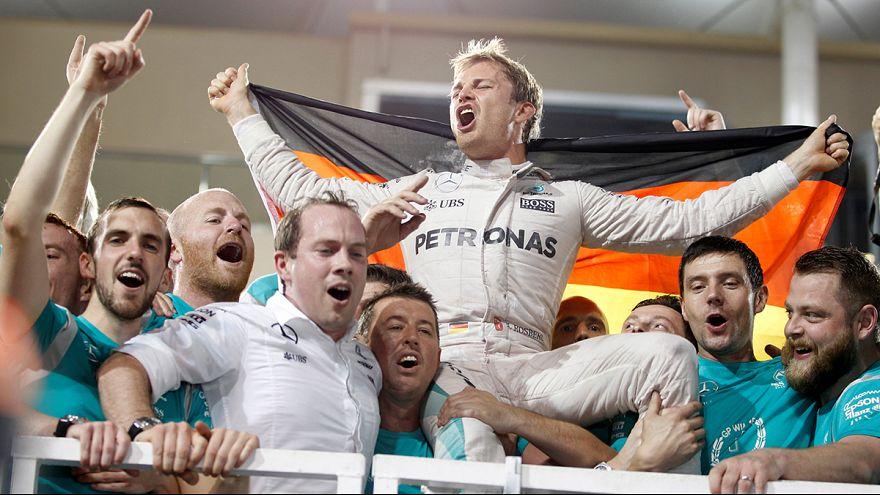 Nico Rosberg festeja su primer Mundial de Fórmula 1