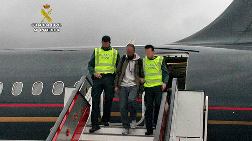 Suspected extremist arrested at Madrid airport