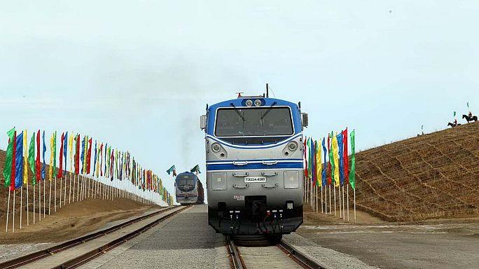 Türkmenistan-Afganistan-Tacikistan demiryolu hattı açıldı