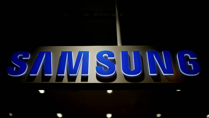 Samsung reportedly considering splitting company in two