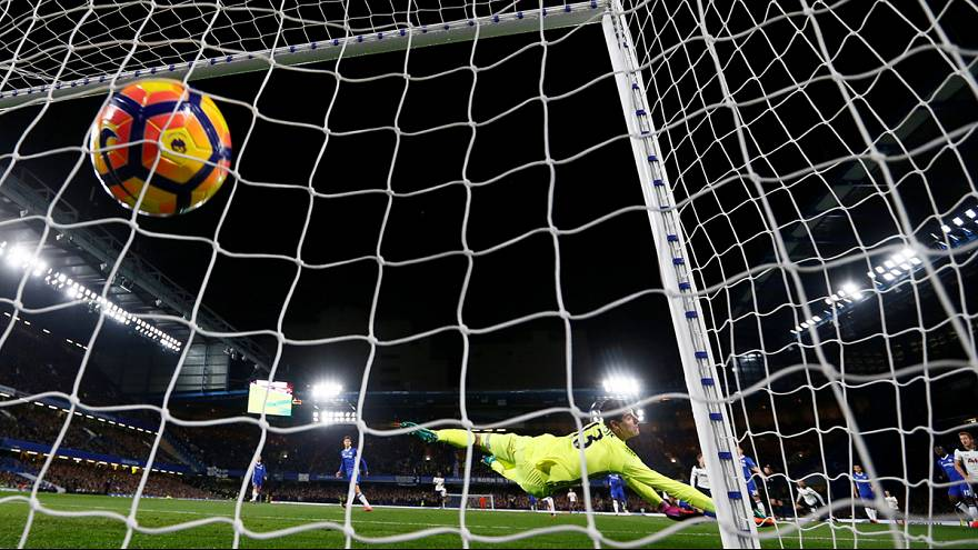 Calcio: il Chelsea di Conte in vetta alla Premier, battuto il Tottenham