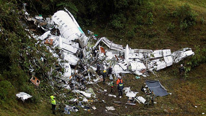При крушении самолета с бразильскими футболистами 76 человек погибли, 5 - выжили