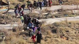 Suriye Ordusu'nun Halep'teki ilerleyişi sürüyor 16 bin sivil bölgeyi terk etti