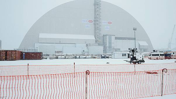 Chernobyl: gigantic shield to cover exploded reactor after 30 years