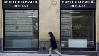 مخاوف الاستفتاء تهز البنوك والأسهم الايطالية