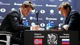 شطرنج: ماغنوس كارلسن وسيرغي كارياكين يتواجهان في شوط فاصل للتتويج ببطولة العالم